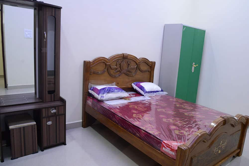 Luxurious Rooms for Guests - KVS Mahal(A/C):  Karaikudi, Tamilnadu